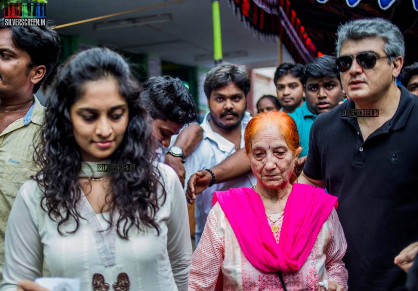 celebrities-vote-in-tamil-nadu-assembly-elections-2016-hq-photos-0002.jpg