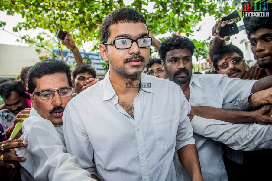 celebrities-vote-in-tamil-nadu-assembly-elections-2016-hq-photos-0009.jpg