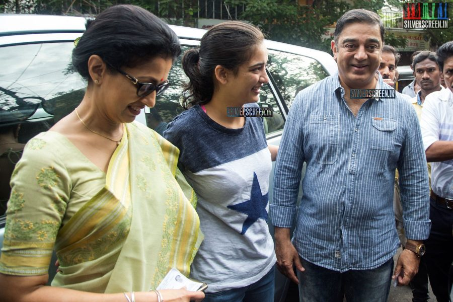 celebrities-vote-in-tamil-nadu-assembly-elections-2016-hq-photos-0024.jpg