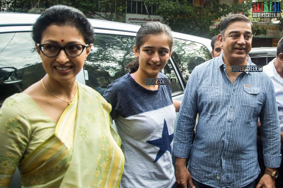 celebrities-vote-in-tamil-nadu-assembly-elections-2016-hq-photos-0025.jpg
