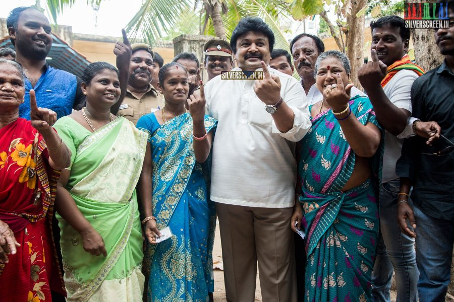 celebrities-vote-in-tamil-nadu-assembly-elections-2016-hq-photos-0033.jpg