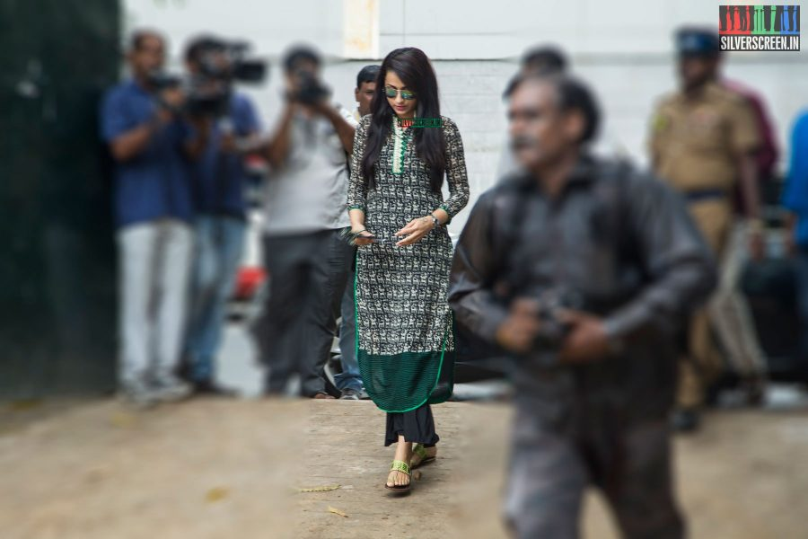 celebrities-vote-in-tamil-nadu-assembly-elections-2016-hq-photos-0044.jpg