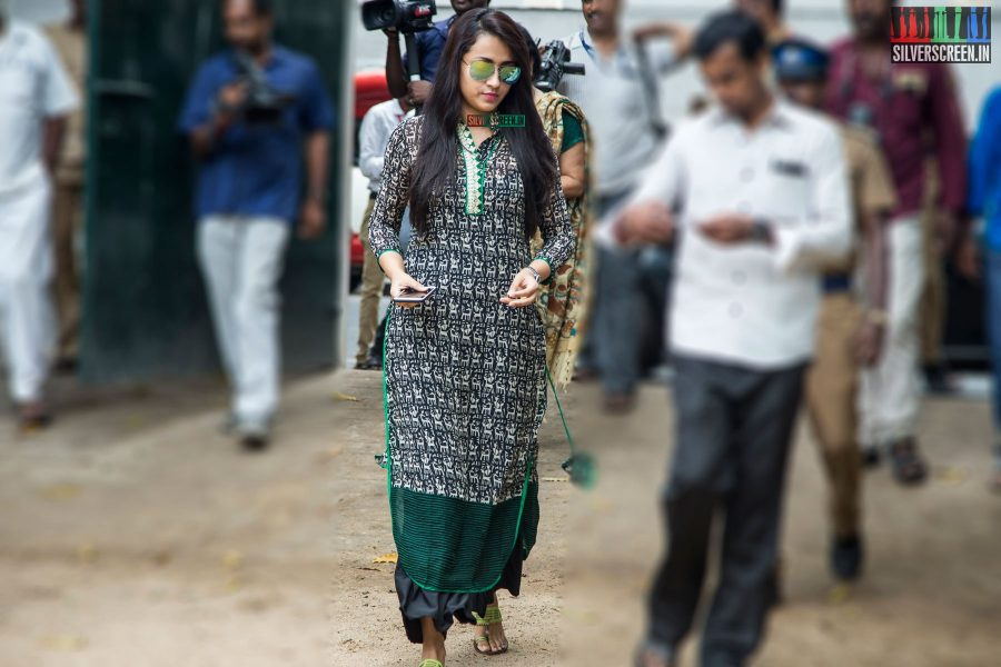 celebrities-vote-in-tamil-nadu-assembly-elections-2016-hq-photos-0045.jpg