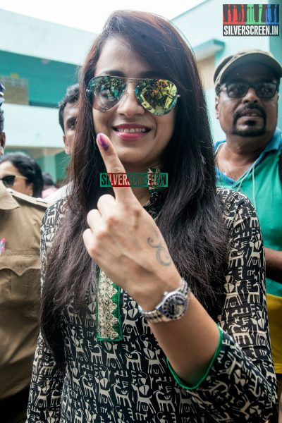 celebrities-vote-in-tamil-nadu-assembly-elections-2016-hq-photos-0049.jpg