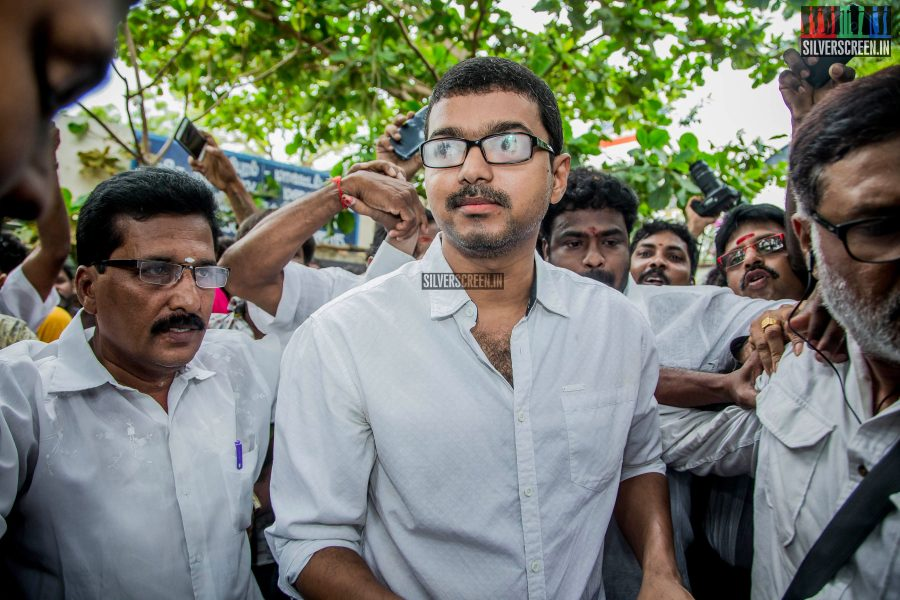 celebrities-vote-in-tamil-nadu-assembly-elections-2016-hq-photos-0081.jpg