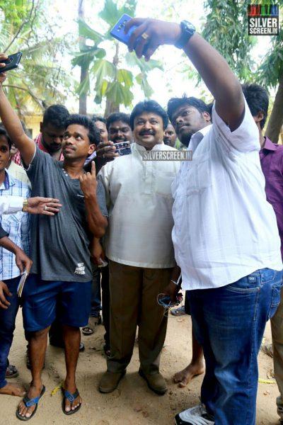 kollywood-votes-at-tamil-nadu-assembly-elections-2016-photos-0020.jpg