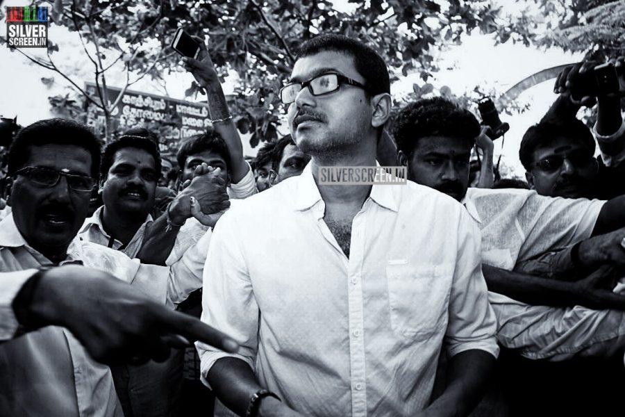 kollywood-votes-at-tamil-nadu-assembly-elections-2016-photos-0029.jpg
