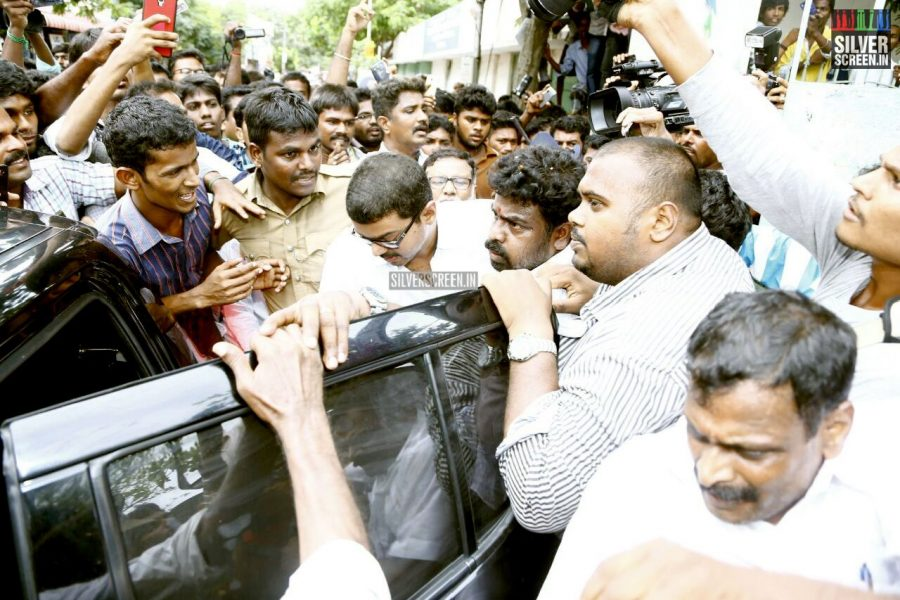 kollywood-votes-at-tamil-nadu-assembly-elections-2016-photos-0031.jpg