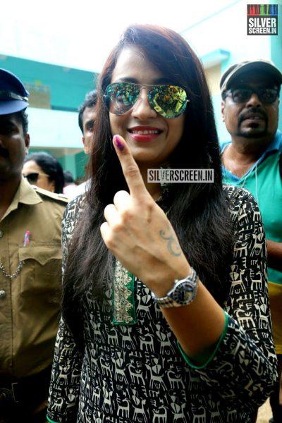 kollywood-votes-at-tamil-nadu-assembly-elections-2016-photos-0038.jpg