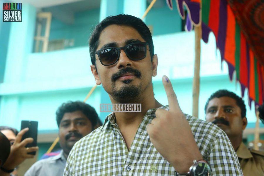 kollywood-votes-at-tamil-nadu-assembly-elections-2016-photos-0039.jpg