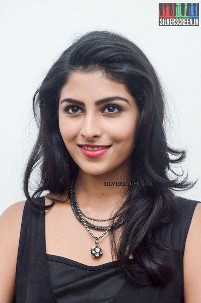 Kruthika Jayakumar at Rojulu Marayi Movie Promotions