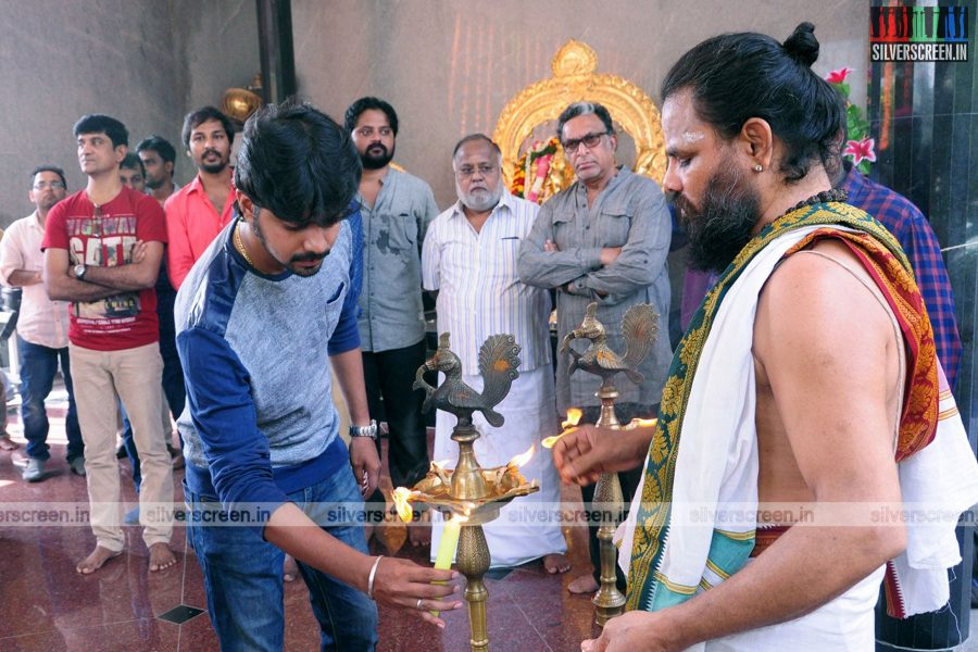 Thittam Poattu Thirudura Kootam Movie Launch Photos