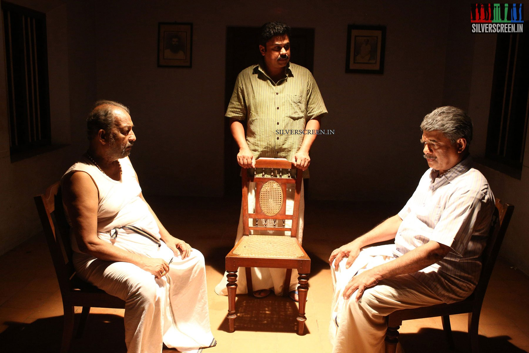 Naalu Pennungal Movie Review