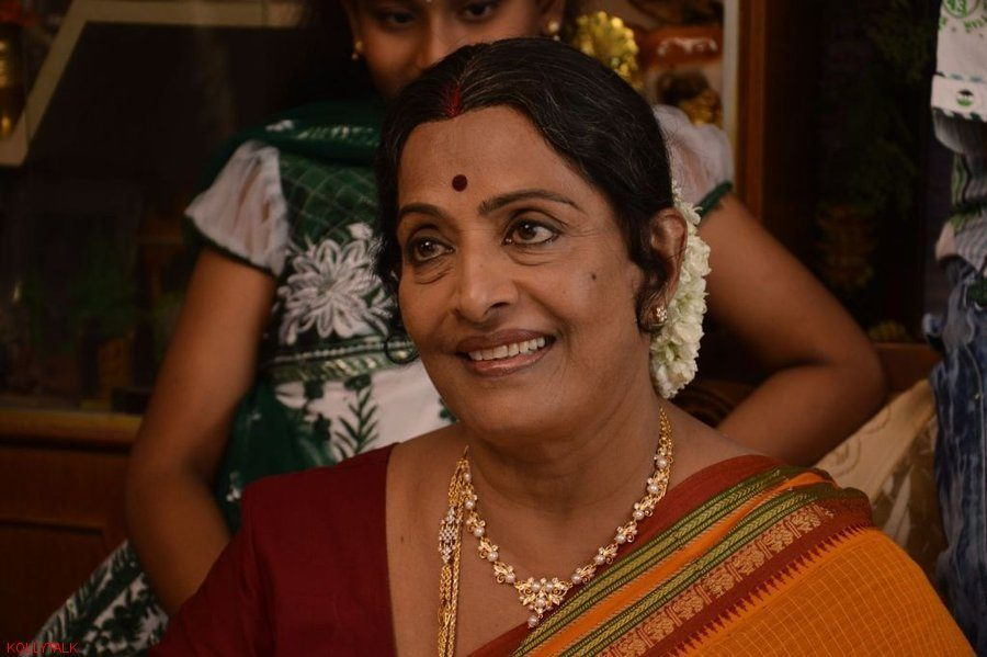 actress-kr-vijaya-husband-velayadam-producer-airop