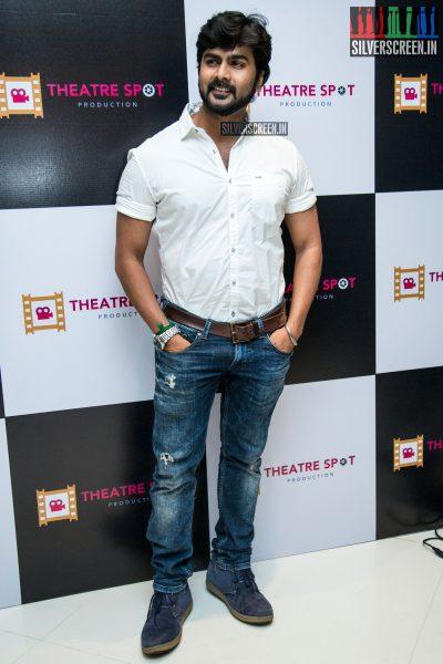 balaji-mohan-and-sanchita-shetty-at-the-launch-of-theatre-spot-production-photos-0008.jpg