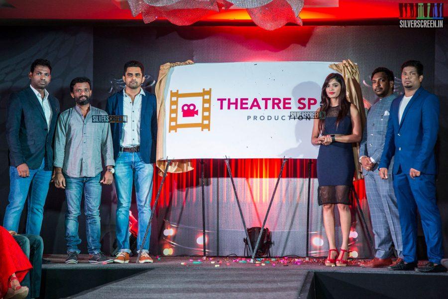 balaji-mohan-and-sanchita-shetty-at-the-launch-of-theatre-spot-production-photos-0019.jpg