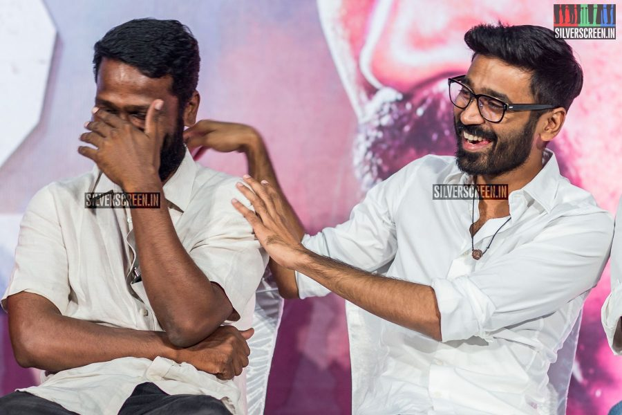 "Dhanush and Vetrimaaran laugh as actor Maarimuthu says, ""We are in Oscar kottai (fort) now!"""