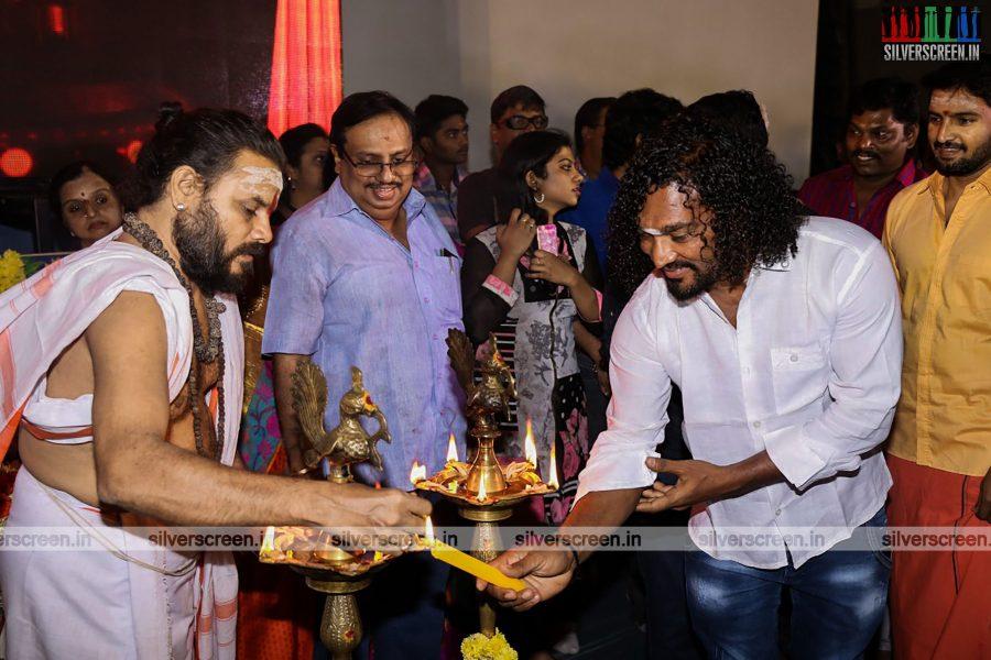odi-odi-vilayaadu-movie-launch-photos-starring-n-santhanam-and-amyra-dastur-photos-0006.jpg