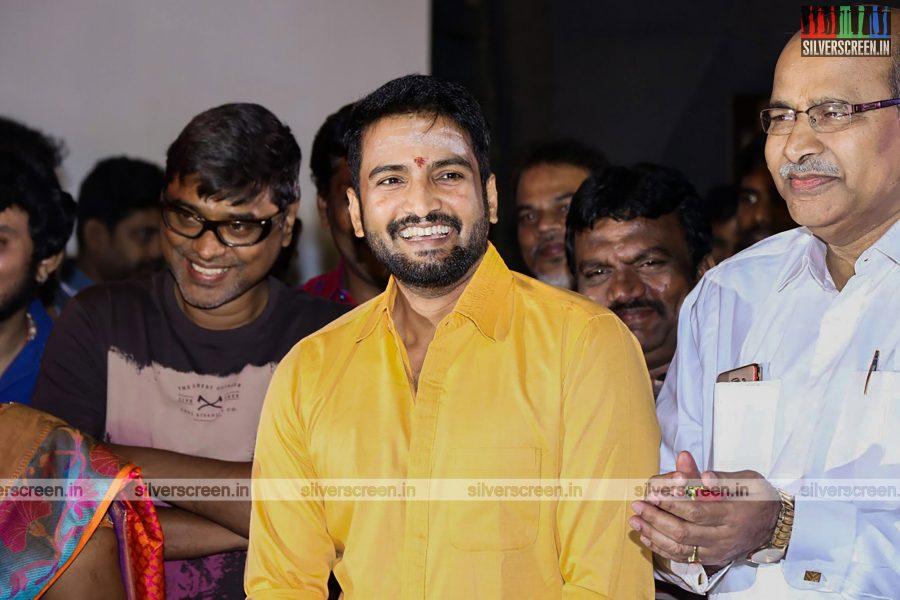odi-odi-vilayaadu-movie-launch-photos-starring-n-santhanam-and-amyra-dastur-photos-0007.jpg