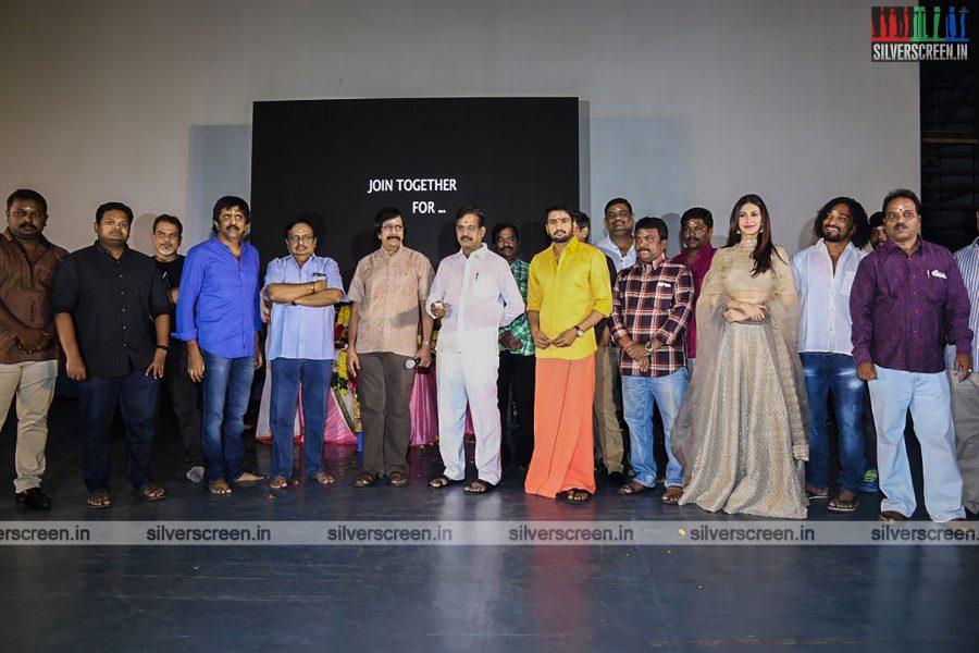 odi-odi-vilayaadu-movie-launch-photos-starring-n-santhanam-and-amyra-dastur-photos-0008.jpg