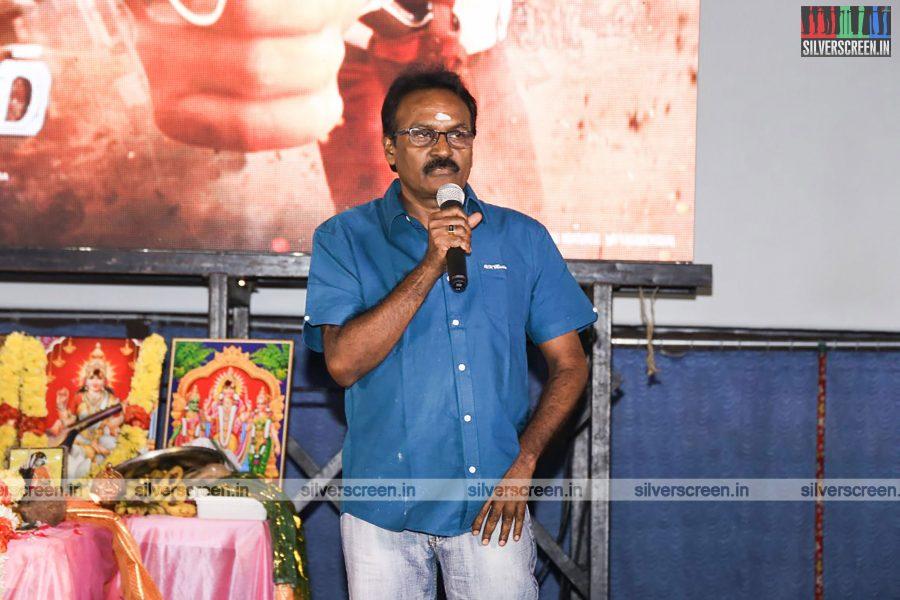 odi-odi-vilayaadu-movie-launch-photos-starring-n-santhanam-and-amyra-dastur-photos-0011.jpg