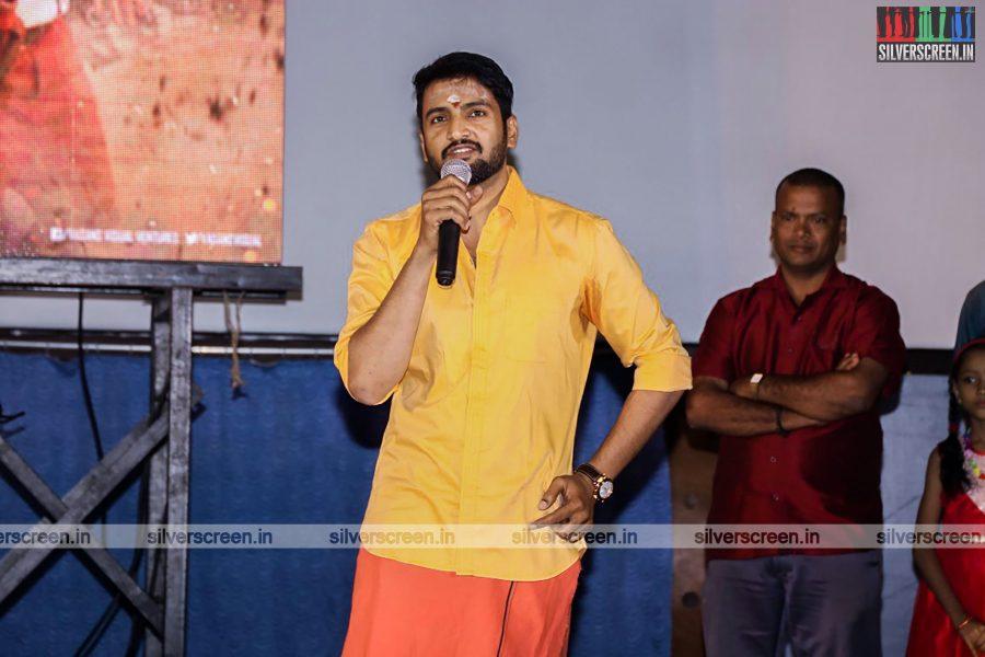 odi-odi-vilayaadu-movie-launch-photos-starring-n-santhanam-and-amyra-dastur-photos-0012.jpg