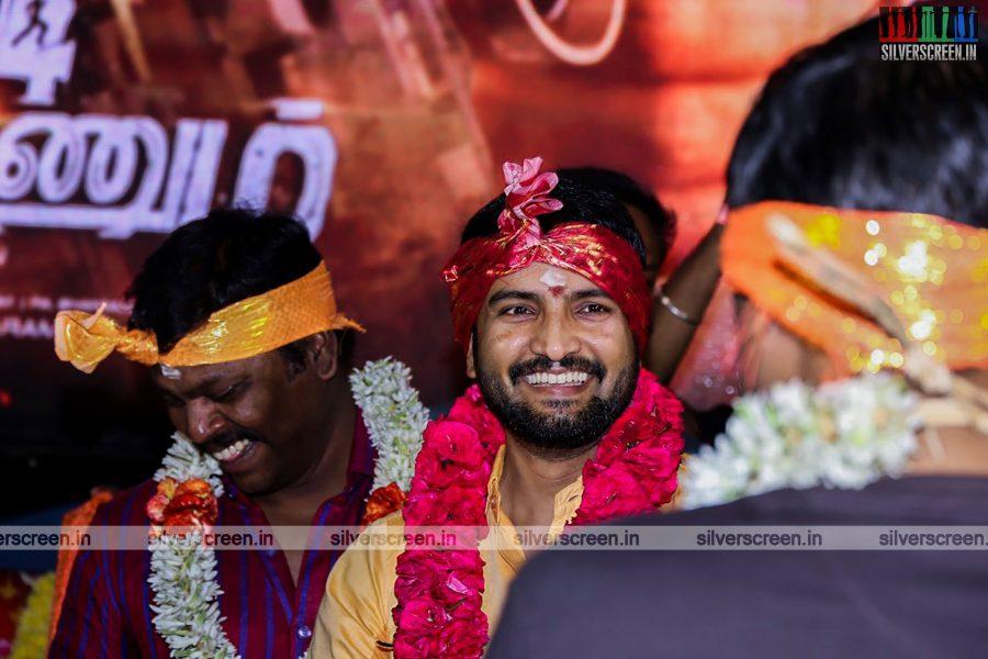 odi-odi-vilayaadu-movie-launch-photos-starring-n-santhanam-and-amyra-dastur-photos-0013.jpg