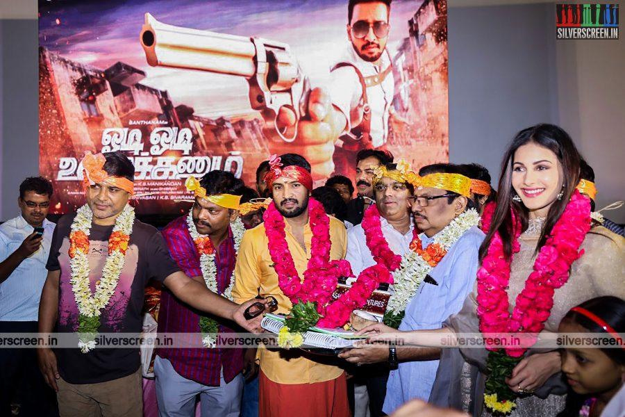 odi-odi-vilayaadu-movie-launch-photos-starring-n-santhanam-and-amyra-dastur-photos-0014.jpg