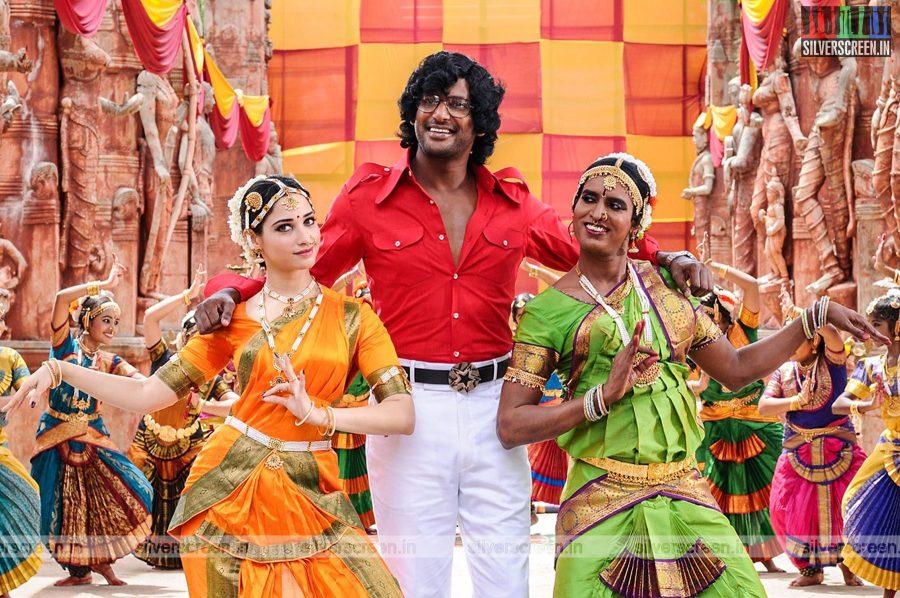 kaththi-sandai-movie-stills-0054.jpg