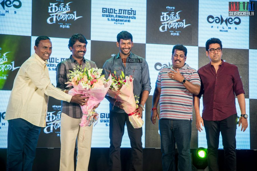 kaththi-sandai-trailer-hd-songs-launch-in-pictures-vadivelu-makes-comeback-vishal-cant-thank-him-enough-for-it-photos-0010.jpg