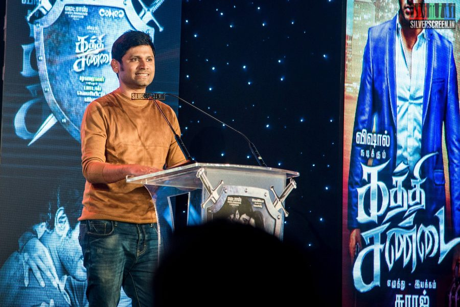 kaththi-sandai-trailer-hd-songs-launch-in-pictures-vadivelu-makes-comeback-vishal-cant-thank-him-enough-for-it-photos-0016.jpg