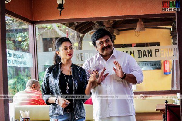 Pooja Kumar and Prabhu in Meen Kuzhambum Mann Paanaiyum Movie Stills