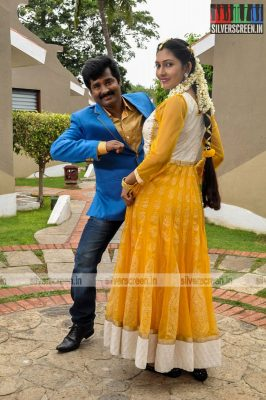 ennodu-nee-irundhal-movie-stills-0034.jpg