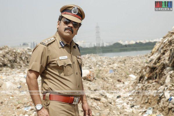 pattinapakkam-movie-stills-starring-kalaiarasan-anaswara-kumar-chaya-singh-stills-0007.jpg
