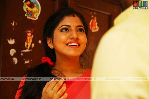 pattinapakkam-movie-stills-starring-kalaiarasan-anaswara-kumar-chaya-singh-stills-0008.jpg