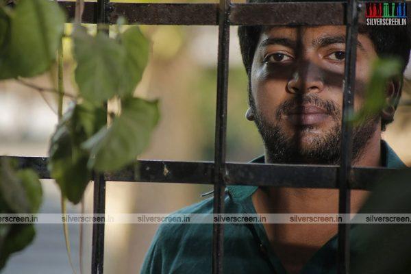 pattinapakkam-movie-stills-starring-kalaiarasan-anaswara-kumar-chaya-singh-stills-0017.jpg