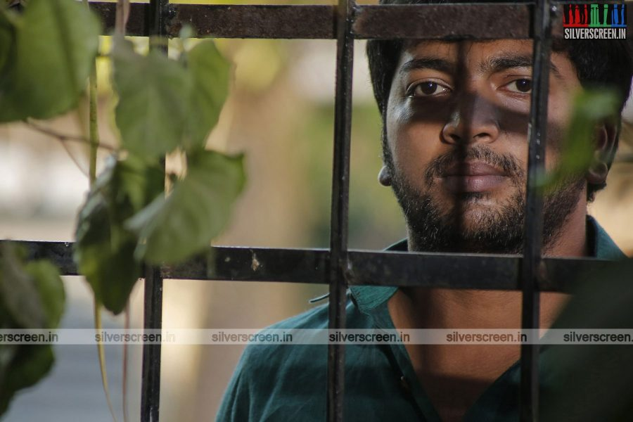 pattinapakkam-movie-stills-starring-kalaiarasan-anaswara-kumar-chaya-singh-stills-0017.jpg