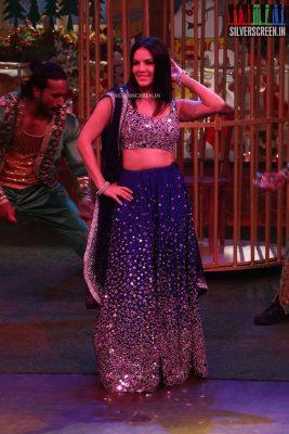 sunny-leone-sets-kapil-sharma-show-photos-0001.jpg