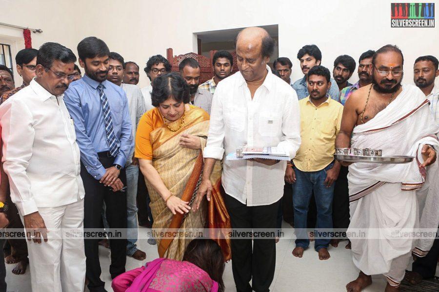 velaiyilla-pattathari-2-movie-launch-photos-rajinikanth-dhanush-amala-paul-soundarya-rajinikanth-photos-0004.jpg