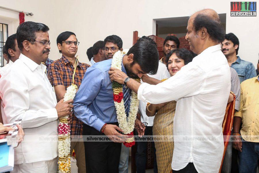 velaiyilla-pattathari-2-movie-launch-photos-rajinikanth-dhanush-amala-paul-soundarya-rajinikanth-photos-0006.jpg