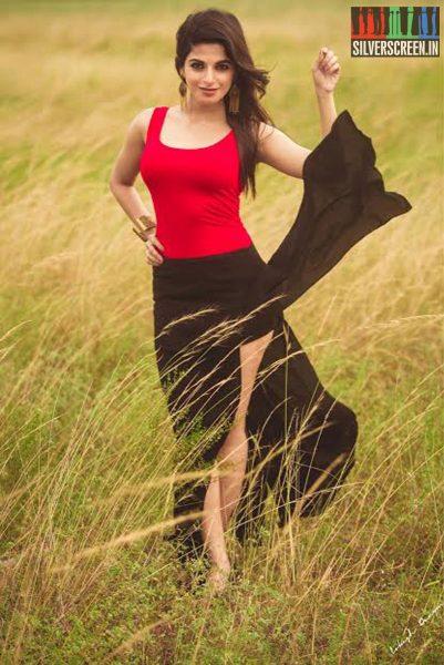 actress-iswarya-menon-photoshoot-stills-0034.jpg