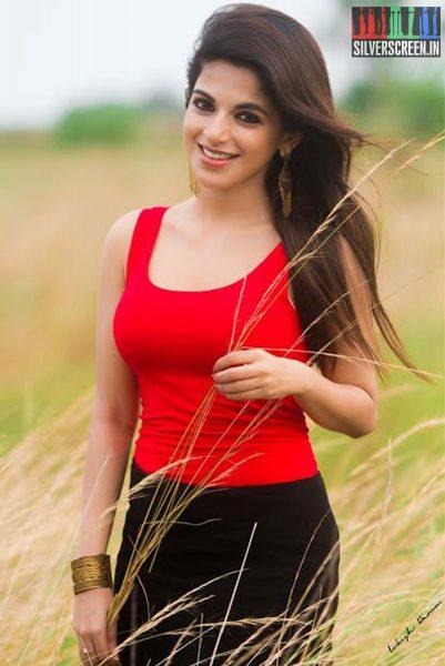 actress-iswarya-menon-photoshoot-stills-0035.jpg