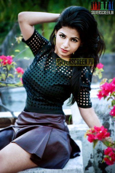 actress-iswarya-menon-photoshoot-stills-011.jpg