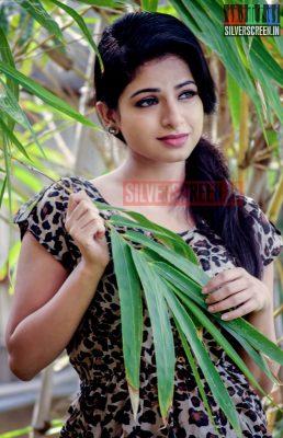 actress-iswarya-menon-photoshoot-stills-013.jpg