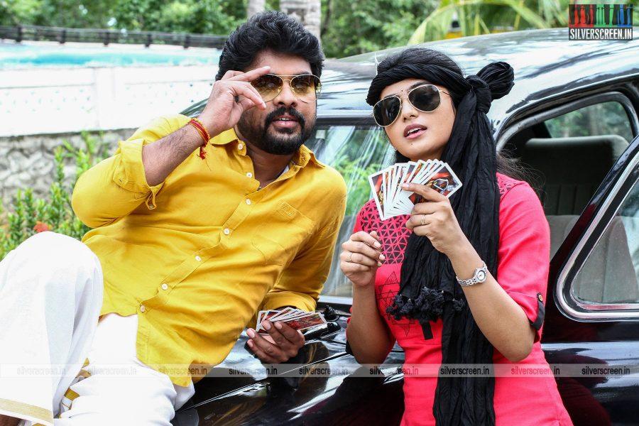 Mannar Vagera Movie Stills Starring Vimal, Anandhi