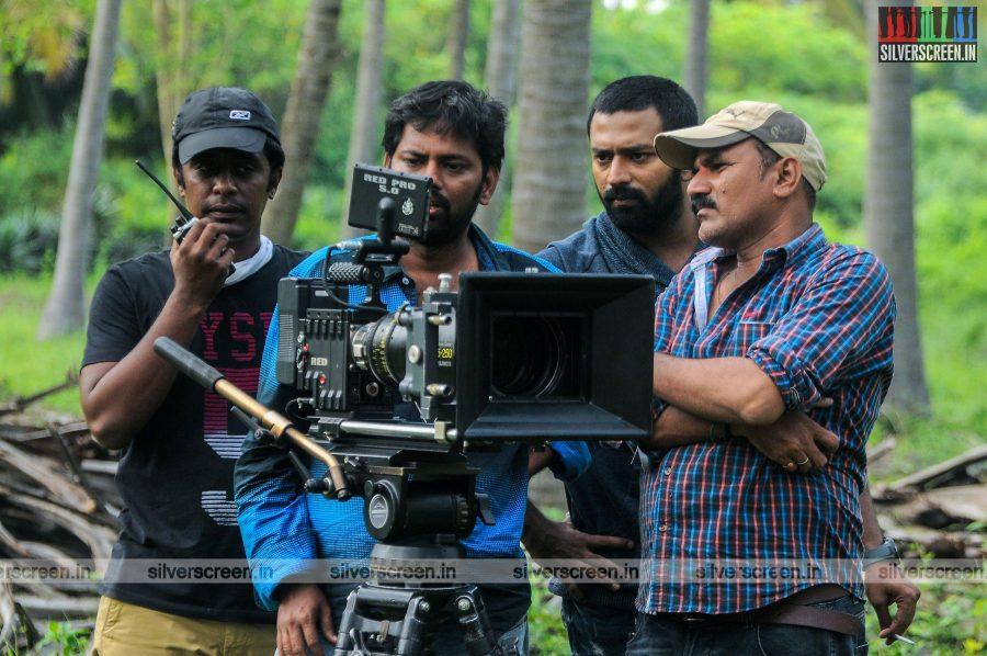 mupparimanam-movie-stills-starring-shanthanu-bhagyaraj-srushti-dange-directed-adhiroopan-photos-0026.jpg