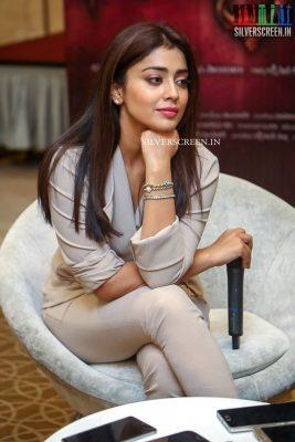 shriya-saran-at-gautamiputra-satakarni-movie-promotions-photos-0013.jpg