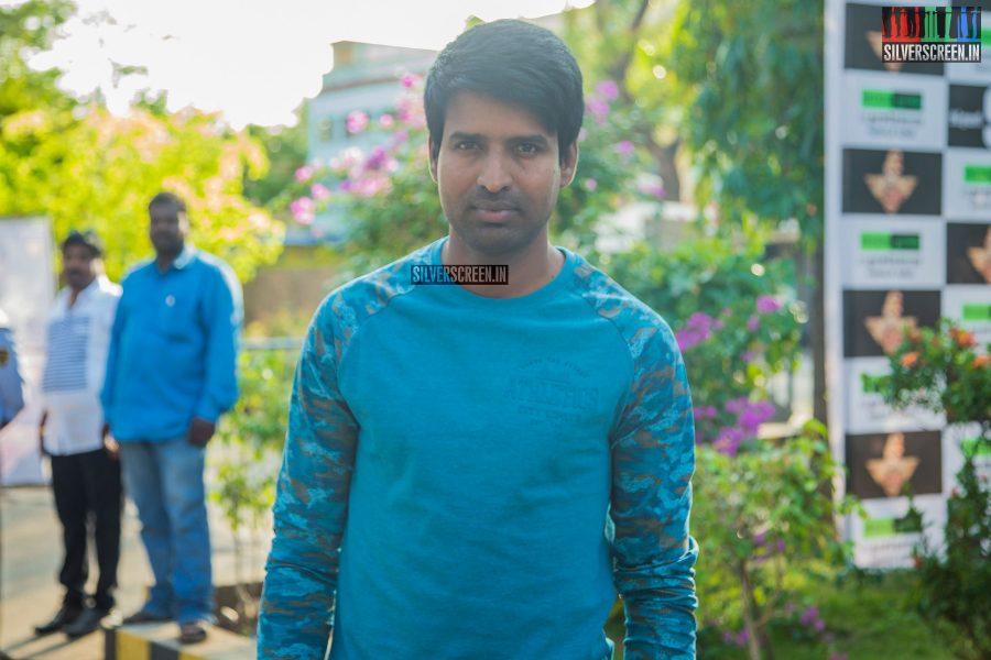 singam-3-press-meet-photos-with-suriya-soori-kanal-kannan-ke-gnanavelraja-and-director-hari-photos-0005.jpg