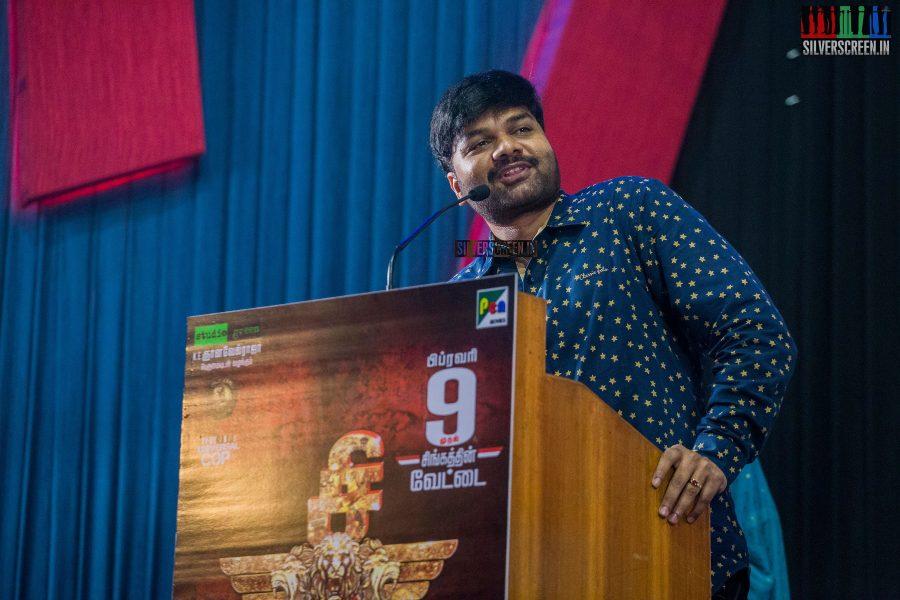 singam-3-press-meet-photos-with-suriya-soori-kanal-kannan-ke-gnanavelraja-and-director-hari-photos-0009.jpg