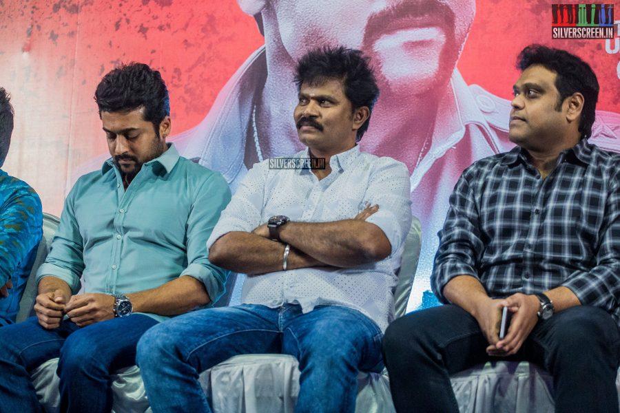 singam-3-press-meet-photos-with-suriya-soori-kanal-kannan-ke-gnanavelraja-and-director-hari-photos-0010.jpg